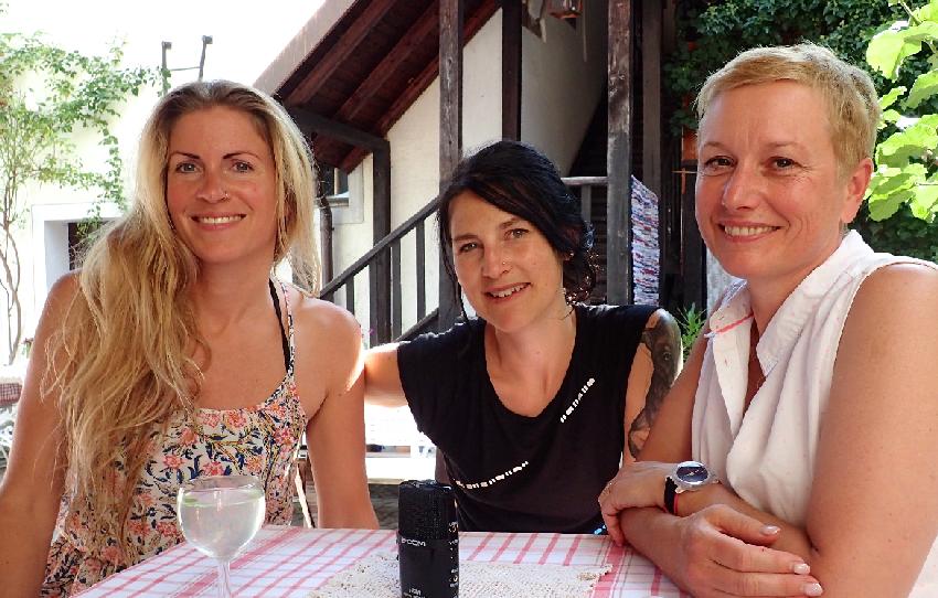 Yoga-Expertinnen: Helga Baumgartner und Franziska Luber